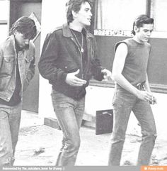 Johnny Cade, Dallas Winston, and Ponyboy Curtis The Outsiders Ponyboy, The Outsiders Cast, Ralph Macchio The Outsiders, Dallas Winston, Matt Dillon, Dirty Dancing, Cute Actors, Hot Guys, Tv Shows