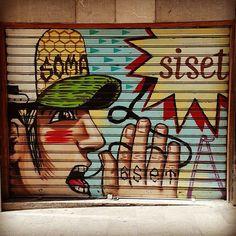 More Mallorcan graffiti garage doors! These cute little works of art are all over Palma de Mallorca.  #palma #palmademallorca #Spain #mallorca #graffiti #graffitiart #mural #gatagedoor