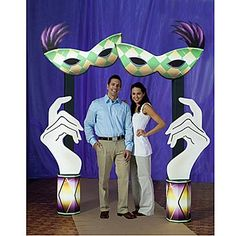 Use this Mardi Gras Hand Columns and Mask Arch to create a fun entrance for guests.