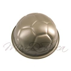 Football Cake Tin Pepe - the Super Star - MiaDeRoca, make a cake shaped as a football Cake Shapes, Shops, Super Star, Cake Tins, Soccer Ball, How To Make Cake, Home Accessories, Decorative Bowls, Football