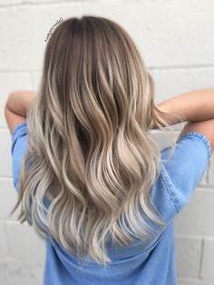 Blonde balayage, color melt