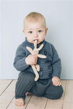1415: Modell 11 Raglanjakke, bukse #baby #knit #strikk