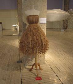 Google Image Result for http://www.veraciria.com/blog/wp-content/uploads/2011/02/dress_made_from_hair.jpg