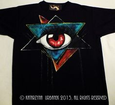 "T-shirt "" behind my eyes II.."" malowany ręcznie.  © Katarzyna Urbanek , All rights reserved https://www.facebook.com/lunarisart"