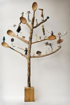 """Wood assemblage tree with wooden spoons for branches.""""Tree of life"""" by Edwina Bridgeman Arte Assemblage, Found Object Art, Ideias Diy, Junk Art, Paperclay, Driftwood Art, Recycled Art, Tree Art, Altered Art"""