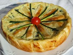 Quiche de calabacín y cebolla en olla GM, Ana Sevilla Other Recipes, Sweet Recipes, Quiche Lorraine, Empanadas, Quiche Recipes, Kitchen Dishes, Gm Olla, Love Food, Food To Make