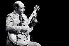 Joe Pass (born Joseph Anthony Jacobi Passalaqua, January 1929 – May was an Italian-American jazz guitarist of Sicilian descent. He is generally considered to be one of the greatest jazz guitarists of the century. Click Pic to learn more. Jazz Guitar Lessons, Online Guitar Lessons, Acoustic Guitar Lessons, Guitar Chords, Acoustic Guitars, Guitar Tips, Guitar Art, Music Institute, Porto Rico