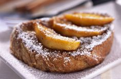A simple French toast with apples recipe for you to cook a great meal for family or friends. Buy the ingredients for our French toast with apples recipe from Tesco today. Breakfast Dishes, Breakfast For Kids, Eat Breakfast, Breakfast Recipes, Apple French Toast, Cinnamon French Toast, Maple Syrup Recipes, Apple Recipes, Tostadas