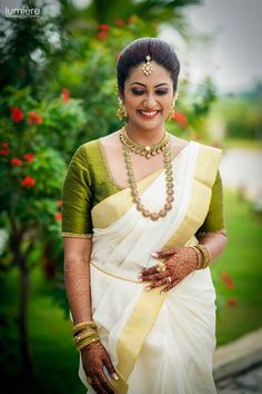 Elated by love in her own fairyland for her prince. Beautiful Indian Actress, Beautiful Bride, Beautiful Saree, Beautiful Women, Kerala Hindu Bride, Kerala Engagement Dress, Malayali Bride, Kerala Saree Blouse Designs, Set Saree