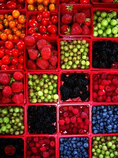 Fruits d'été: Summer Market Color at Jean-Talon Market, #Montreal #travel #afar