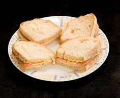 Low-calorie sandwich filling ideas, ranging from vegetables, fruits, poultry and seafood.