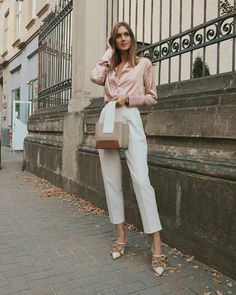 Outfit ideas to inspire your transition into this Spring 2021 season, complete with an affordable shopping guide of effortlessly chic wardrobe staples #spring #outfits #styleinspiration #outfitidea #pastels #effortlesslychic 30 Outfits, Office Outfits, Mode Outfits, Classy Outfits, Chic Outfits, Spring Outfits, Trendy Outfits, Fashion Outfits, Chic Office Outfit