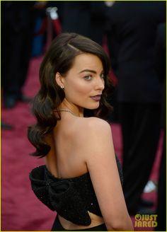 Margot Robbie in Saint Laurent at 2014 Oscars