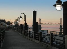 Is it just me or does anyone else want to live or go on vacation to Wilmington, NC just because One Tree Hill was filmed here? Wilmington is basically Tree Hill. It would be like reliving my favorite tv show.