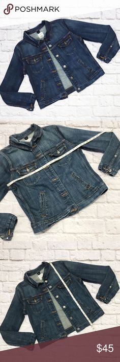 J. CREW Jean Jacket in Size Medium condition: GUC (good used condition) ; some wear on collar color: Blue jean fit: True to size other: see measurements in photos! J. Crew Jackets & Coats Jean Jackets