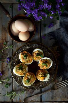 jajka faszerowane Mozzarella, Appetizers, Eggs, Breakfast, Food, Cooking Recipes, Kochen, Easter, Morning Coffee