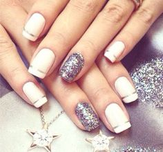 Easy and cute, just how I like my nail art.