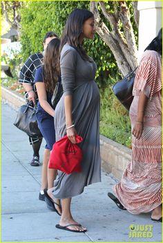 Zoe Saldana's Cute Dress Accentuates Her Big Baby Bump!
