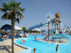 2017 - Aquafollie Water Park,  in Caorle, Via Aldo Moro 1, about 86 miles east of Vicenza; open June 1– Sept. 10; 10 a.m. – 6 p.m.; admission: €22 for adults and children taller than 51.18 inches; €18 for children up to 51.18 inches; discounts for families and free for children up to 39.37 inches.
