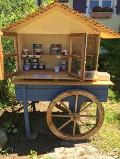 Outdoor Projects, Outdoor Decor, Flowers For Sale, Bee House, Garden Cart, Fruit Stands, Market Stalls, Flower Stands, Urban Farming