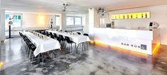 DAS BÜRO Stuttgart - schwarz-weiße Event Location Deutschland #schwarz #weiß #location #event #eventinc #veranstaltung #ort #black #and #white #allblackwhite #ohne #farben #dekoration #einrichtung