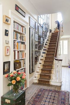 Instead of Minimalism - A Life Well Lived — Hurd & Honey - beautiful, warm, ho. - Instead of Minimalism – A Life Well Lived — Hurd & Honey – beautiful, warm, home-y entry and - Style At Home, Home Interior, Interior Decorating, Decorating Ideas, Stairway Decorating, Interior Paint, Sweet Home, Painted Stairs, Wooden Stairs