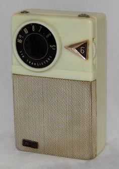 https://flic.kr/p/vkzBrZ | Vintage Uni-Six Transistor Radio, No Model Number, AM Band Only, 6 Transistors, Made In Japan, Circa 1959