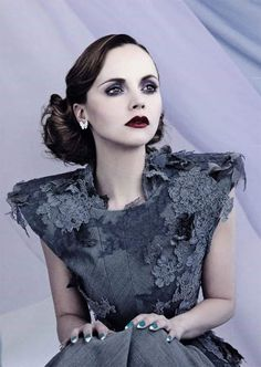 Christina Ricci shows off slim waist in sexy new shoot for AS IF magazine Christina Ricci, Beautiful Christina, Beautiful People, Beautiful Women, Seinfeld, Style Vintage, Vintage Gothic, Vintage Glamour, Thom Browne