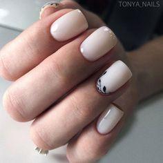Идеи дизайна ногтей - фото,видео,уроки,маникюр! Colorful Nail Designs, Acrylic Nail Designs, Acrylic Nails, Minimalist Nails, Hot Nails, Hair And Nails, Fancy Nails, Pretty Nails, Homecoming Nails