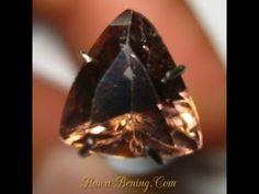 Batu Permata Zircon Triangular Cut Pinkish Orange 2.38 Carat