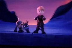 Frozen (gif)- Sven looks prepared. He knows the block will fall and the opportunity to lick his face is just after Disney Dream, Cute Disney, Disney Magic, Disney Frozen, Disney And Dreamworks, Disney Pixar, Walt Disney, Disney Characters, Jelsa