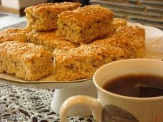 Healthy 'n Delicious Rusks- Butter - use coconut oil instead Flour - use wholewheat flour instead Yoghurt/buttermilk - use Greek yoghurt Brown sugar - use stevia for baking Let's rock this recipe and make it a healthy snack! Scones, Kos, Buttermilk Rusks, Healthy Breakfast Snacks, Healthy Eating, Healthy Foods, Paleo Food, Healthy Recipes, Quick Recipes