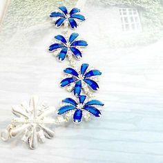 Bracelet-daisy-links-rhinestones-royal-blue-size-7-3-4-handmade-by-Pat2