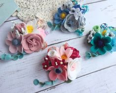 Making Fabric Flowers, Felt Flowers, Felt Crafts, Diy And Crafts, Flower Crafts, Hair Jewelry, Quilling, Floral Wreath, Cricut
