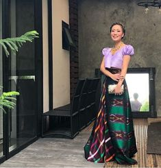 Philippines Dress, Philippines Fashion, Philippines Culture, Filipiniana Wedding Theme, Modern Filipiniana Dress, Arte Filipino, Filipino Culture, Traditional Fashion, Traditional Dresses