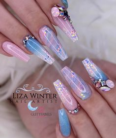 Glitterbels colour powder in:- baby powder, raindrop. Core powders :- Glass Slippers and snowdrops white Summer Acrylic Nails, Best Acrylic Nails, Acrylic Nail Designs, Fabulous Nails, Perfect Nails, Gorgeous Nails, Nail Swag, Gender Reveal Nails, Nagel Bling