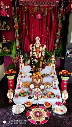 Live Wallpaper Iphone, Live Wallpapers, Diy Party Decorations, Festival Decorations, Pooja Room Door Design, Rangoli Designs Flower, Living Room Sofa Design, Puja Room, Framed Art