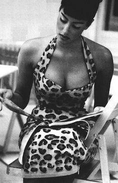 Yasmeen Ghauri, super model in the 90's. In an Azzedine Alaia dress