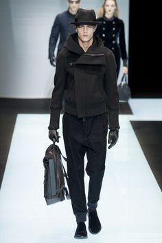 Giorgio Armani Fall 2016 Menswear Fashion Show