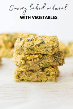 This savory baked oatmeal is so easy to make and a great way to enjoy vegetables for breakfast! Perfect for baby led weaning and lunchboxes. Toddler Meals, Kids Meals, Toddler Recipes, Breakfast Items, Breakfast Recipes, Vegan Breakfast, Baby First Foods, Baby Foods, Healthy Eating Habits