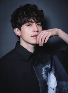 Lee Dong Wook goblin the lonely and great god Asian Actors, Korean Actors, Lee Dong Wook Goblin, Lee Dong Wok, Goblin Korean Drama, K Drama, Song Joong, Yoo Gong, Park Bo Gum