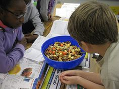 Third Grade Thinkers: Scarecrow Crunch and Pumpkin Punch: A Science Snack Idea- Mixtures and Solutions lesson Middle School Science, Elementary Science, Elementary Education, Childhood Education, Education Quotes For Teachers, Education College, Science Activities, Teaching Science, Science Ideas