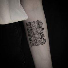 Amsterdam canal houses!   #tattoo #amsterdamtattoo #Amsterdam #antiektattoo… Paris Tattoo, Cute Tattoos, Leg Tattoos, Black Tattoos, Home Tattoo, I Tattoo, Create A Tattoo, Alice And Wonderland Tattoos, Amsterdam Tattoo