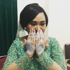 The best is yet to come.. Henna white by grab_hijab #mywedding #akadnikah #reni&ashari #11032017