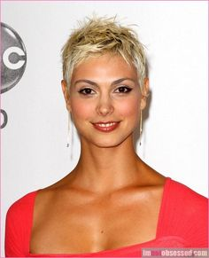 Thin hair isn't a revile. There are numerous excellent short hairstyles and haircuts for thin hair. Here are 20 new short hairstyles for fine hair! Super Short Pixie, Very Short Hair, Short Hair Cuts, Short Hair Styles, Short Hair 2016, Fine Hair Pixie Cut, Women Short Hair, New Short Hairstyles, Short Pixie Haircuts