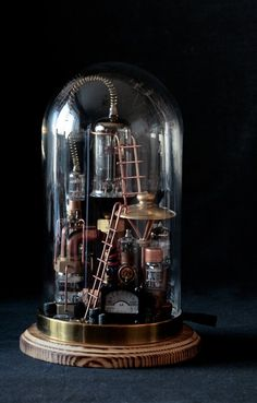 Pure Steampunk lamp Benjamin 4 - Desk Lamps - iD Lights Lampe Steampunk, Style Steampunk, Steampunk Gadgets, Steampunk Accessoires, The Bell Jar, Tiffany Lamps, Glass Domes, Desk Lamp, Lamp Table