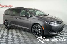 2019 Chrysler Pacifica Touring L Plus FWD Van Backup Camera Remote Start Uconnec Central America, South America, Internet Prices, Chrysler Pacifica, Backup Camera, High Level, Weather Conditions, Cool Suits, Southeast Asia