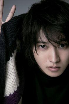 Cute Japanese Boys, Japanese Love, Beautiful Boys, Pretty Boys, Cute Boys, Kento Nakajima, Miroku, Alice, Kento Yamazaki