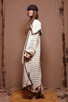 yard of girls : thepeachskin:Zaitegui Crochet Shawl Free, Gilet Crochet, Crochet Coat, Crochet Jacket, Crochet Cardigan, Crochet Clothes, Long Cardigan, Knit Fashion, Boho Fashion