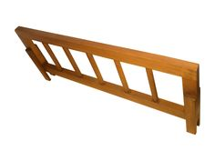 Como você viu no vídeo, trouxe mais um review de móveis em madeira da Rio Antigo Móveis. Desta vez trata-se da grade de proteção para camas feita em madeira maciça de reflorestamento, fabricação pr…
